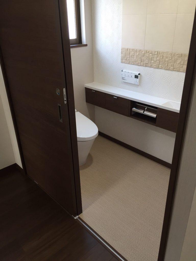 沖縄の2世帯住宅のリフォーム。トイレ施工2。