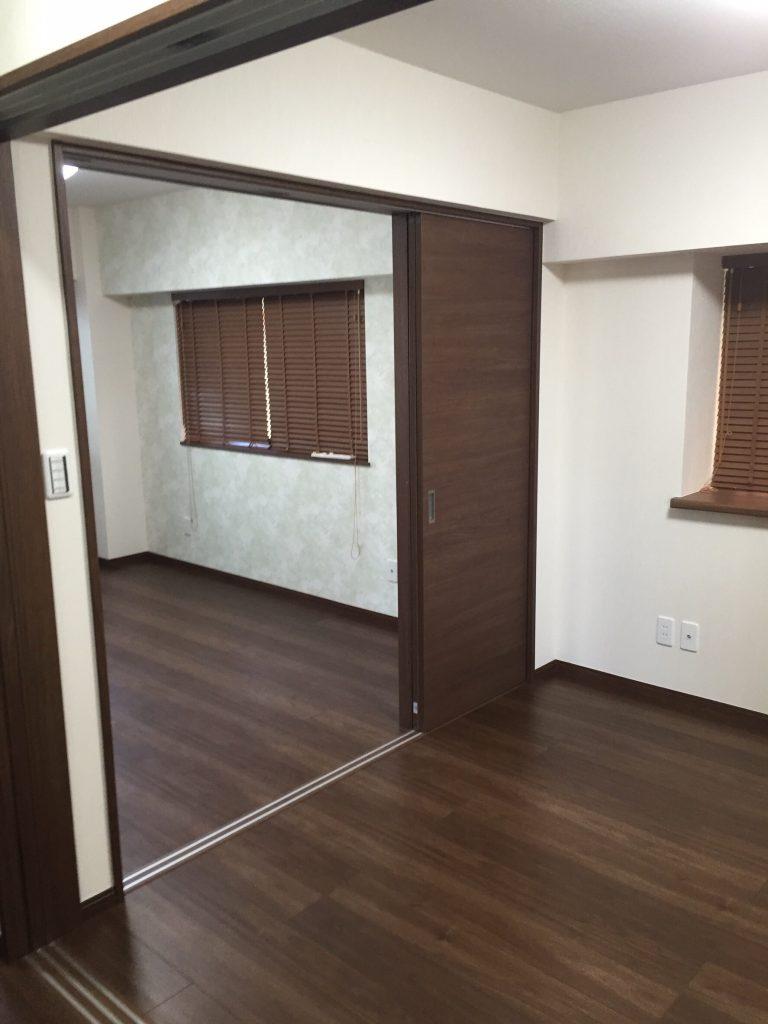 床と壁のリフォーム施工後 3