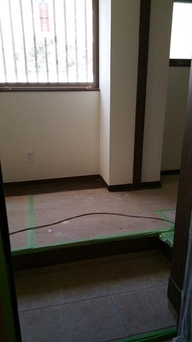 床と壁のリフォーム 2