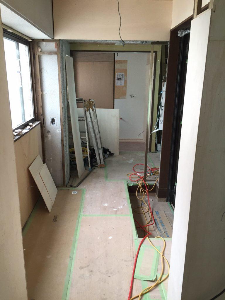 床と壁のリフォーム施工前 3