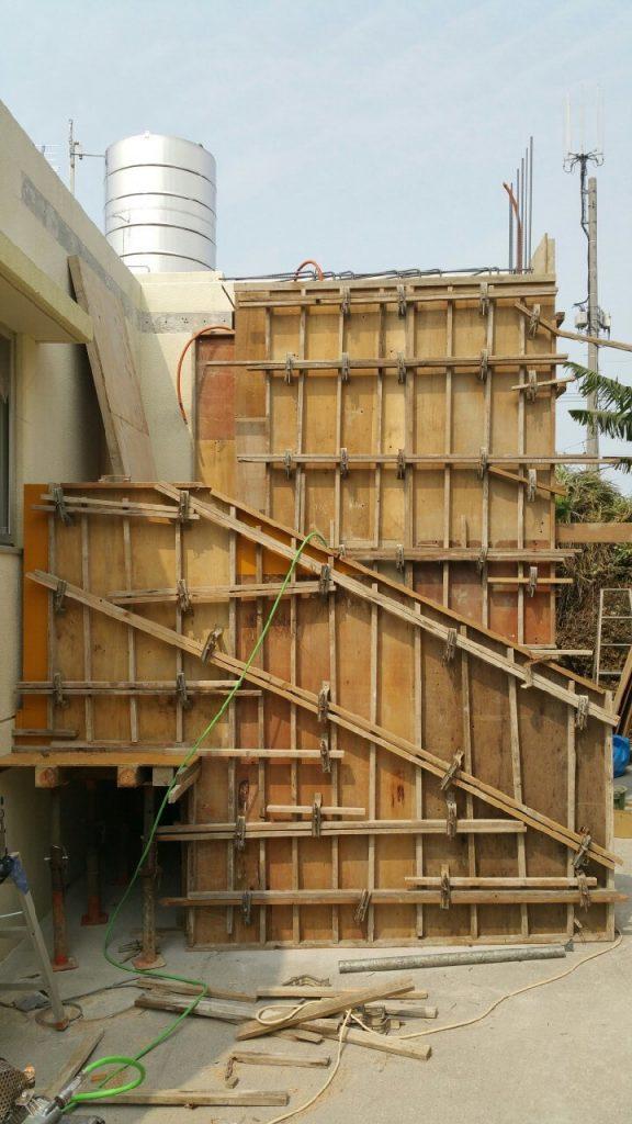 玄関の増築。施工中②