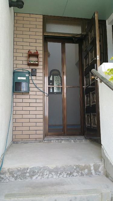 沖縄で玄関のリフォーム施工前 ④