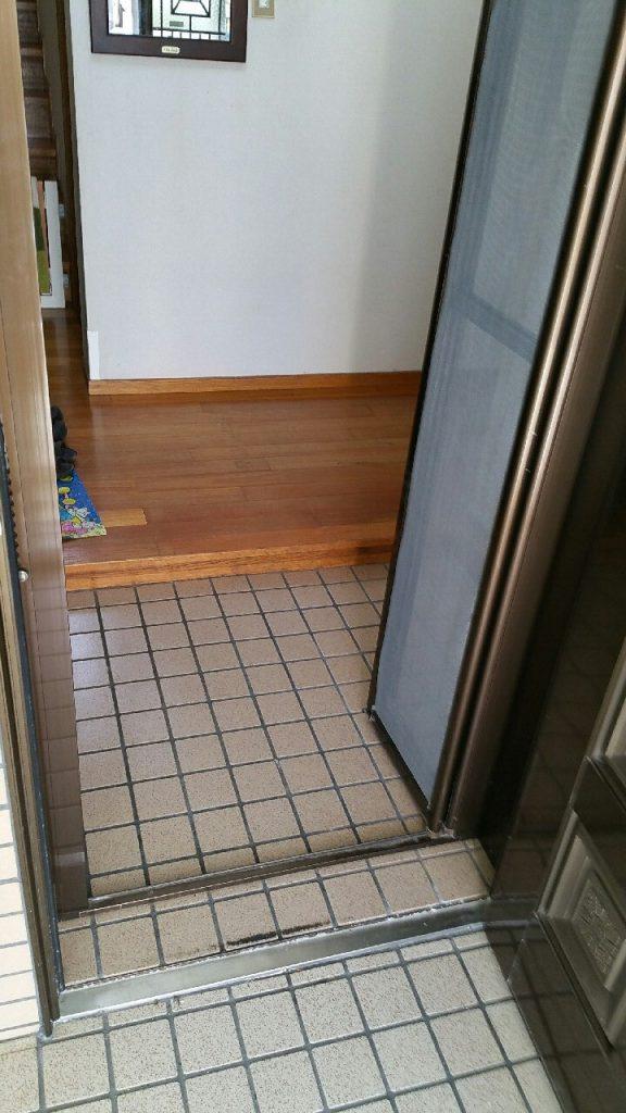 沖縄で玄関のリフォーム施工後 ①
