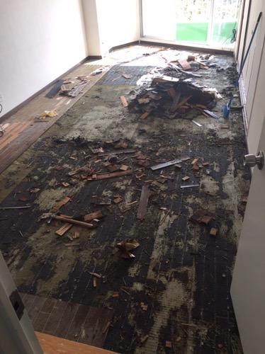 床のリフォーム 施工中